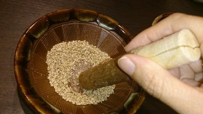 mortar-with-pestle-and-grind-sesame-and